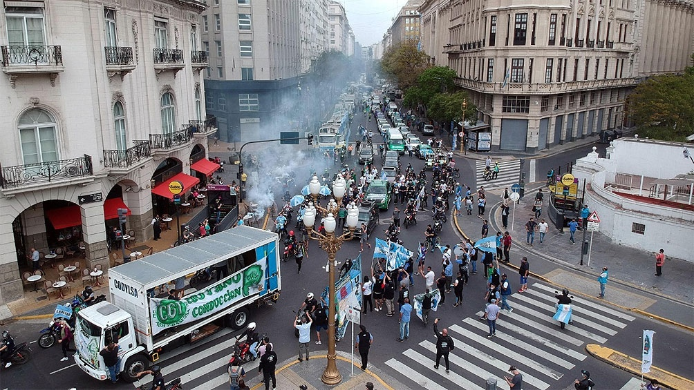 Sectores del kirchnerismo convocan a una marcha el 17 de octubre.